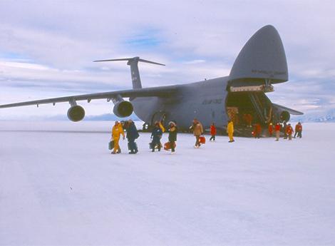 南极洲冰跑道