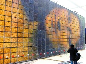世界最大蒙娜丽莎亮相世博 面积达300平米